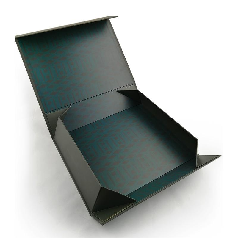Classy Black Cardboard Apparel Boxes With Magnetic Closure