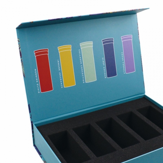 rigid gift box with magnetic closure