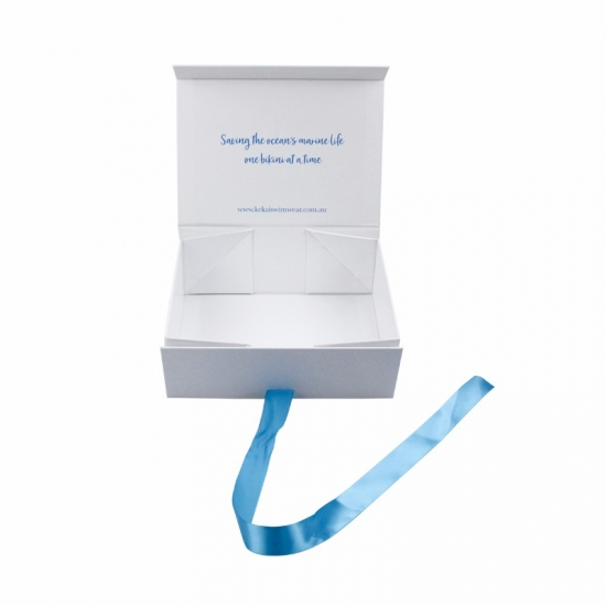 white collapsible magnetic boxes